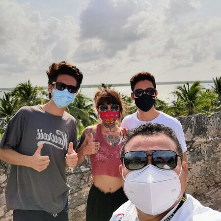 Bacalar, Mexico: I had a great time with my new friends Raul ,Karina y Daniel from California