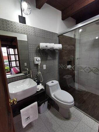 Baño de la habitación Cancuc