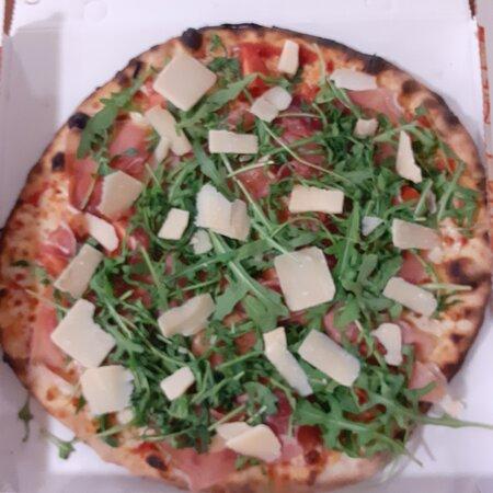 Strevi, Itália: Pizza prosciutto crudo grana e rucola