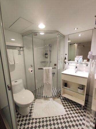 浴室乾淨整潔