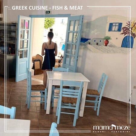 Οι προετοιμασίες συνεχίζονται  #mamameze #kamari #santorini🇬🇷 #santorinitravel  #greekfood #mediterraneancuisine