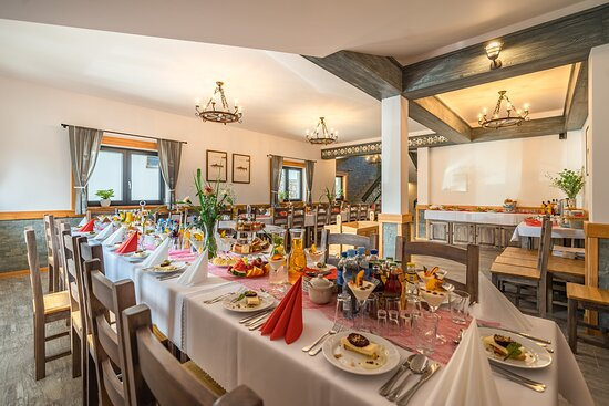 Bialy Dunajec, Польша: One of restaurant rooms prepared for a special event
