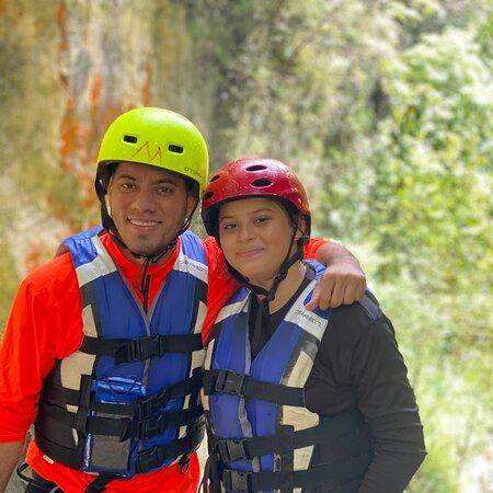 Hongo Mágico   Una maravilla natural, impresionantes cascadas, arroyos y montañas. Aguas cristalinas y azul turquesa. Es imprescindible ir con guia.   Jamao Eco Tours