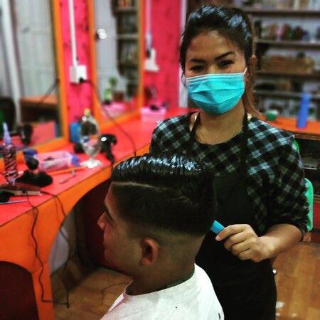 Everest Beauty Salon