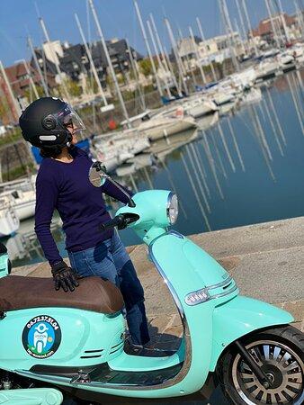 Weekend sur la côte Fleurie en scooter électrique
