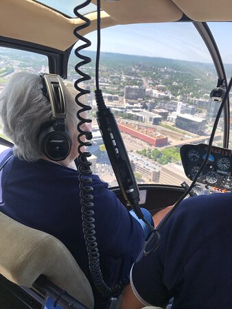 Helicopter Tour of Downtown Nashville & Music City (20-Minutes): My Aubt
