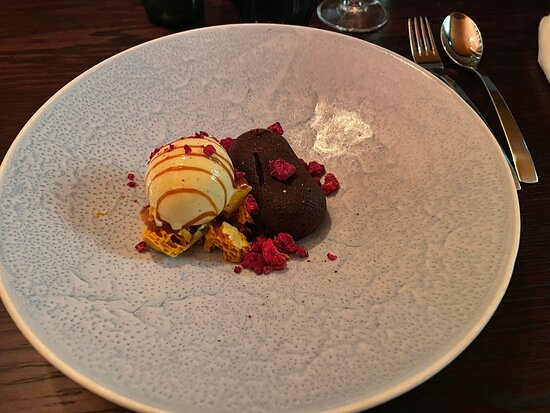 Loved the chocolate fondant dessert, well worth the 14 minutes cook time