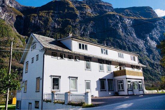 Gudvangen Budget Hotel front