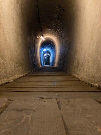 ז'דנייבו, אוקראינה: Місце-відкриття в Капатах. Цікаво, захолююче місце часів Другої світової війни.  Ексурсію наполегливо рекомендую.