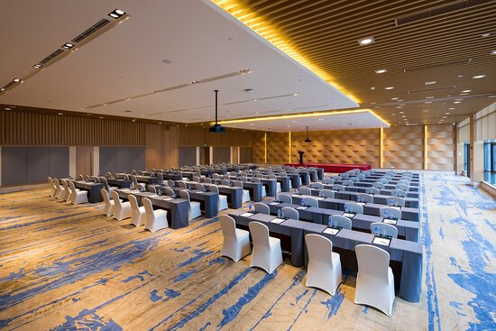 Two highest up to 7.2 meters high, 600 ? pillar free ballroom, wil