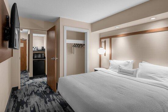One-Bedroom Suite - King Bedroom