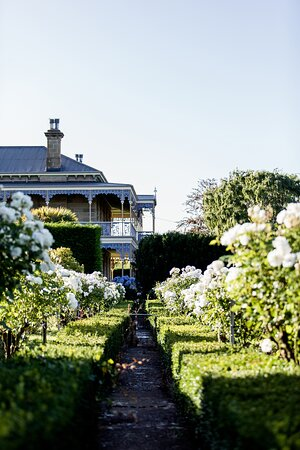Ouse, Úc: Rose Garden Path