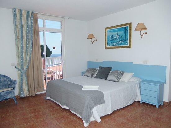 Foto de Apartamentos Carlomar, Tenerife: logo - Tripadvisor