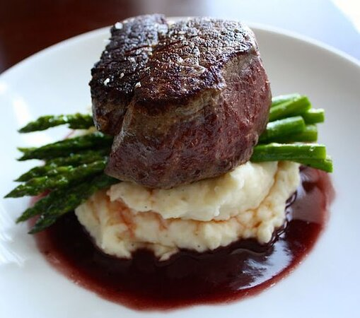 Steak with Asparagus and Mashed Potatoes