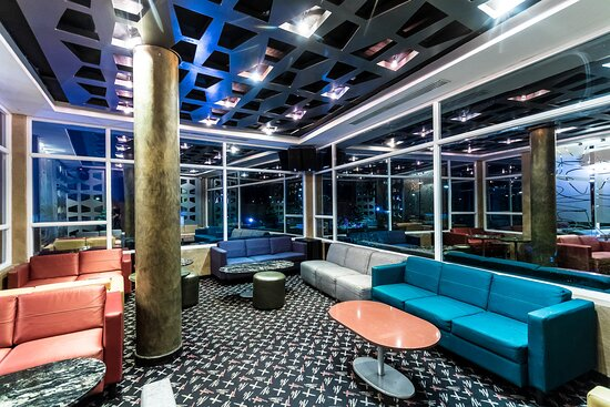 Bari Barn and Lounge