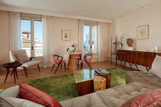Grand Canal View Suite