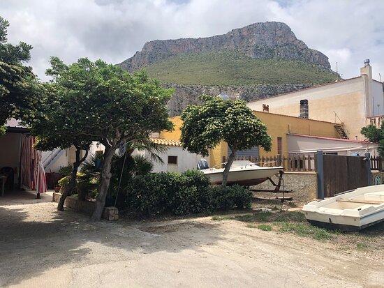 Bonagia, Italia: Piccole case di Pescatori !