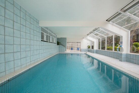 BreakFree-Beachpoint-Surfers-Paradise-Indoor-Pool
