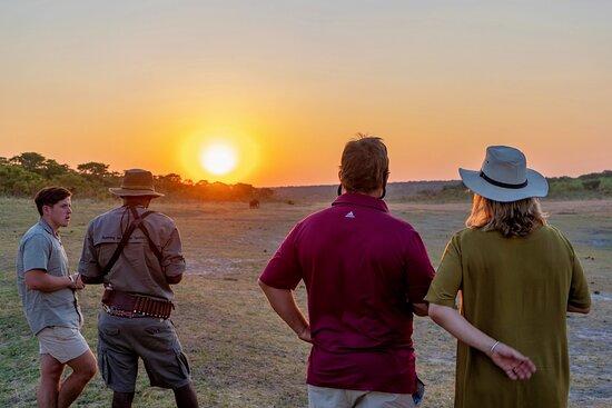 Zambezi National Park, Zimbabwe: Sundowner drinks