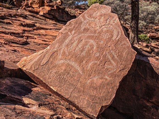 Wilcannia, Úc: Rock stencils dating back 15,000yrs