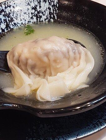 手工鮮蝦水餃