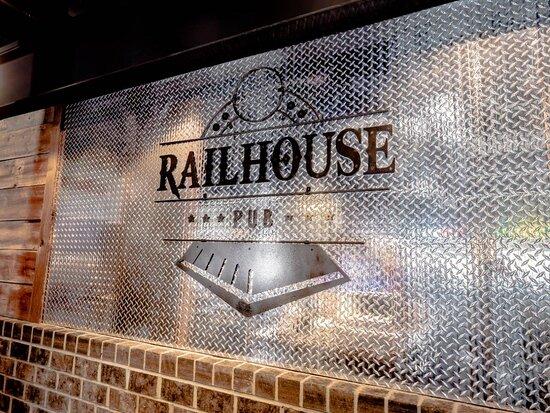 Wright City, MO: Railhouse Pub