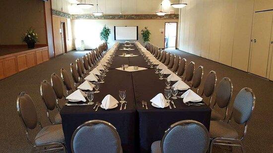 Summit Banquet Room