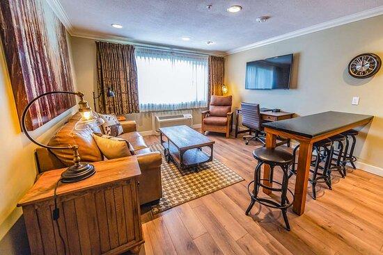 Full Kitchen Bedroom Suite