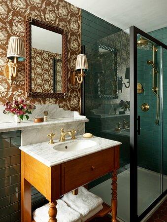SU Rusacks Bathroom