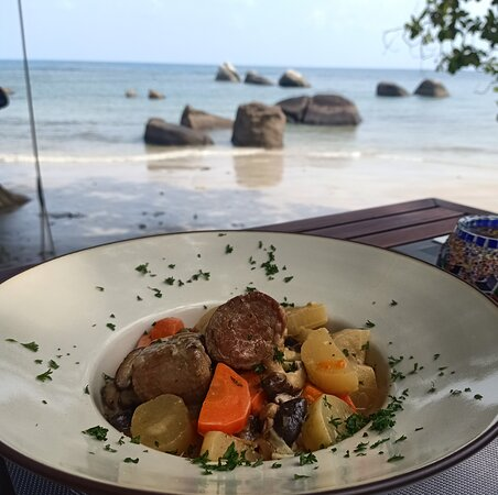 One of a Kind location on Koh Samui to enjoy Thai and French food, drinks and music by the beach. Come and check it out!