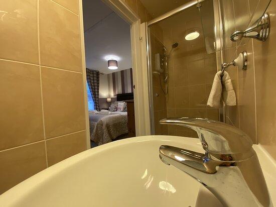 King shower room
