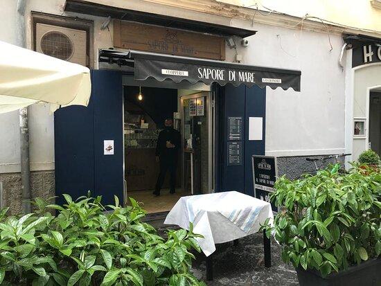 Cava De' Tirreni, Italy: Via G.Accarino, 2 - Cava de Tirreni