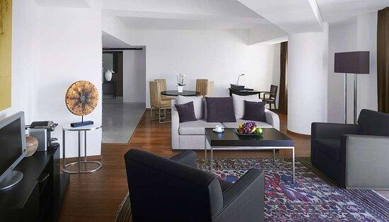 Elite Executive Apartment - Lounge Access