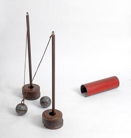 Βασίλης Σκυλάκος (1930-2000) «Παιχνίδι» σίδερο, 1991 διαστάσεις μεταβλητές