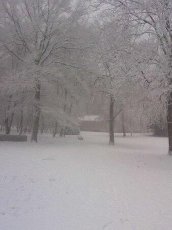 Montge-en-Goele, França: Parc sous la neige