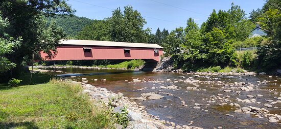 Forksville, بنسيلفانيا: Forksville Covered Bridge, built 1850 over Loyalsock Creek, 152 feet. This bridge is the entrance to the Forksville General Store.