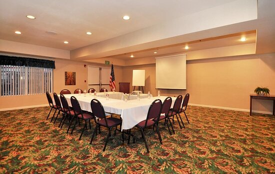Patterson, CA: Meeting Room