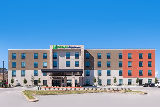 Welcome to the Holiday Inn Express Fort Worth West!