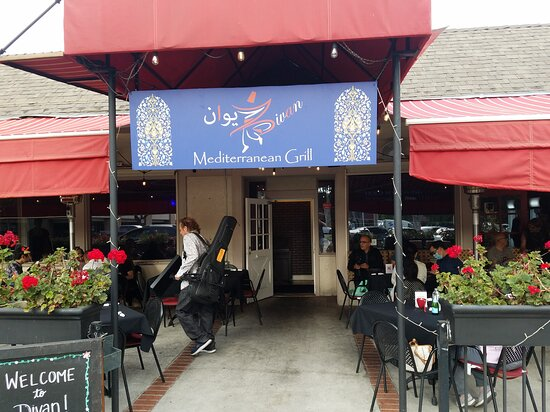 Tustin, CA: Divan mediterranean grill & lounge