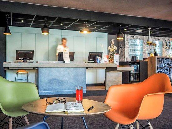 ibis Orange Centre Echangeur A7 A9