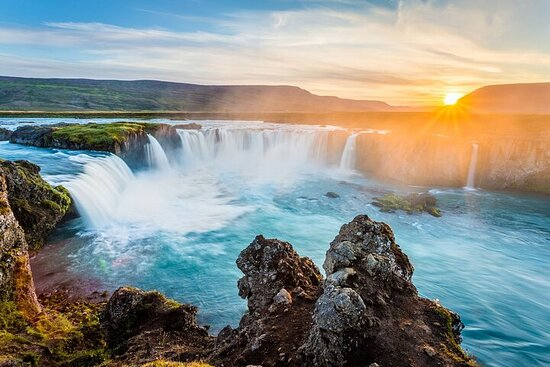 6-Day Guided Ring Road Iceland Tour from Reykjavik