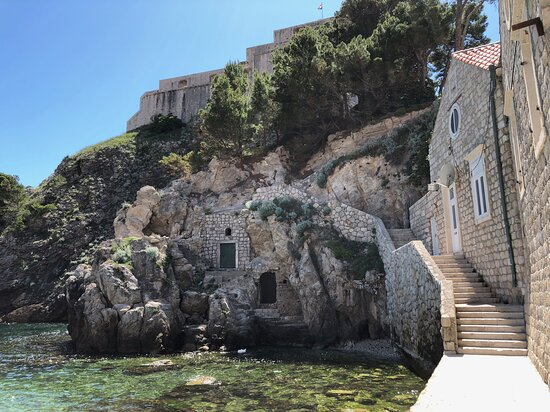 Game of Thrones Extended Tour: below Fort Lovrijenac - site of a famous drowning in GoT