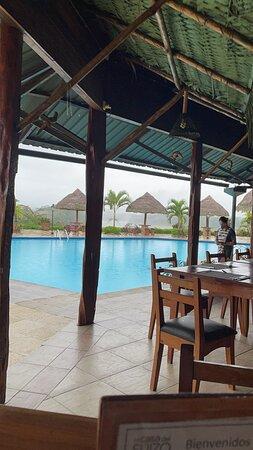 Ahuano, Ecuador: La piscina súper chevere. Agua templada al clima.
