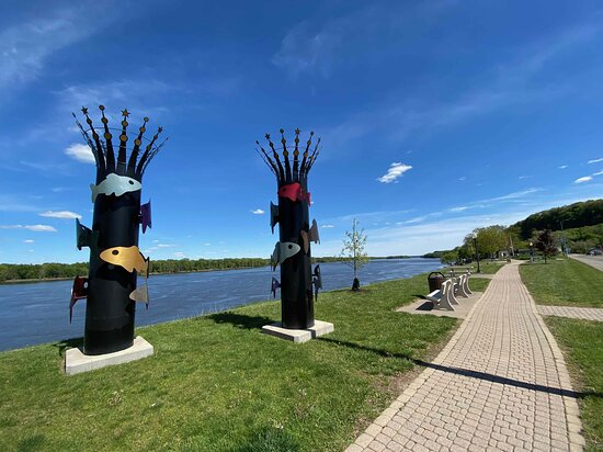 Bellevue Fish Stacks Sculptures