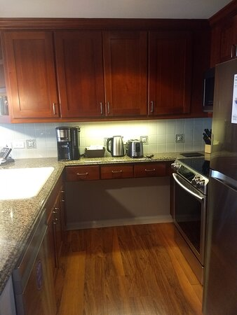 3219 grand waikikian full kitchen