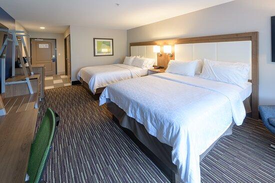 Guest Favorite Standard Two Queen Room