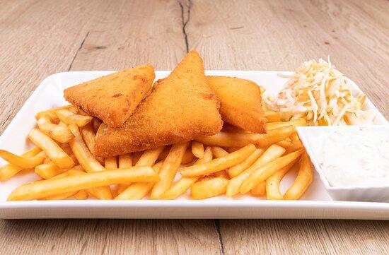 Fried cheese with fries/ Smažený sýr s hranolkami