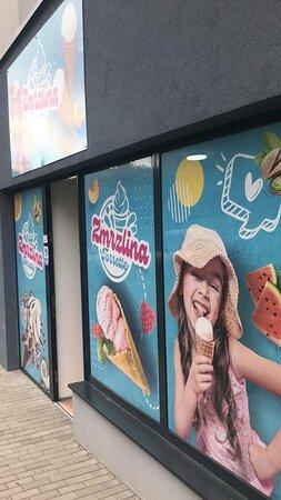 Zmrzlina Torrette zákusky Eis Cafe Nitra