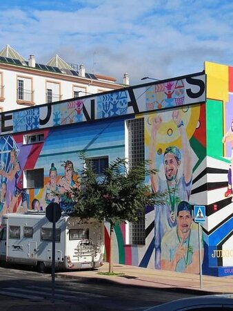 So many murals, try to see them all