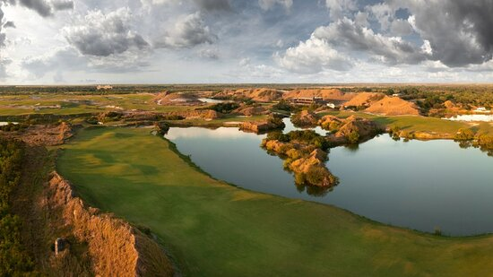 Fort Meade, FL: Streamsong Red No. 5, 6 and Streamsong Blue No. 18   Image taken by: Bill Hornstein